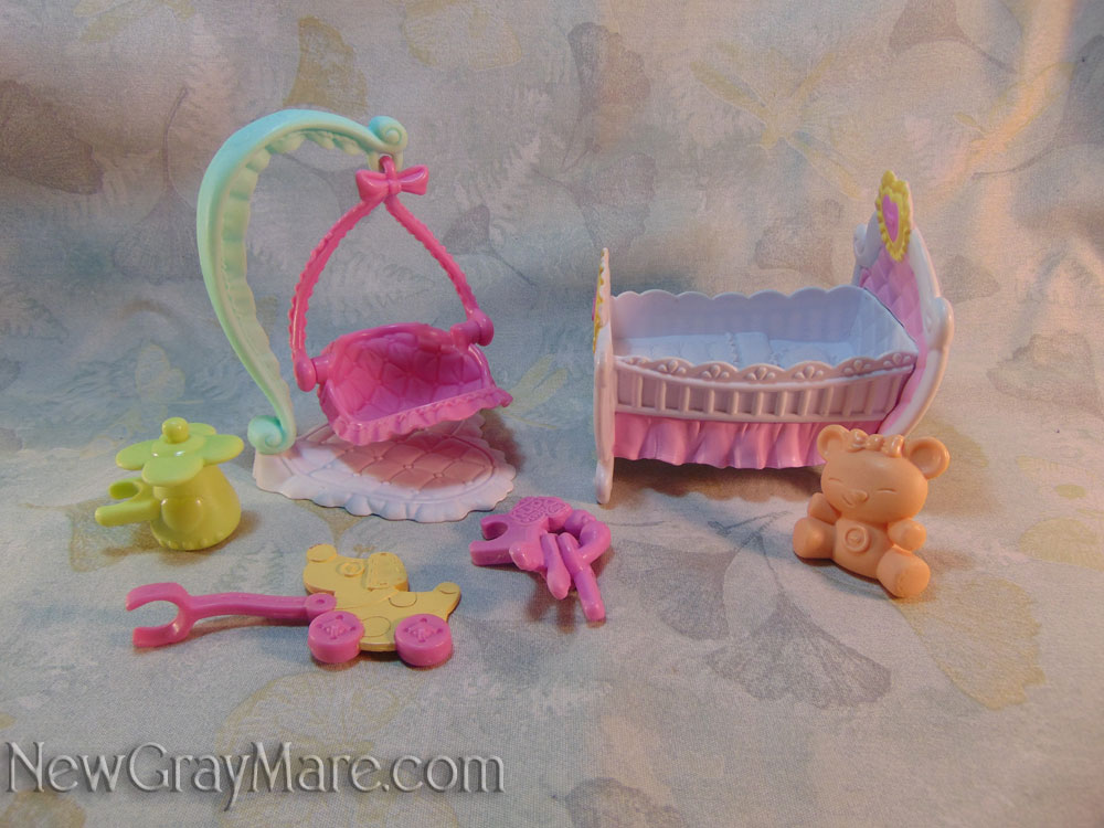 Newborn Cuties Pinkie Pie's Playhouse Accessories